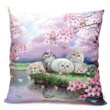 Подушка интерьерная с кошками и цветами.